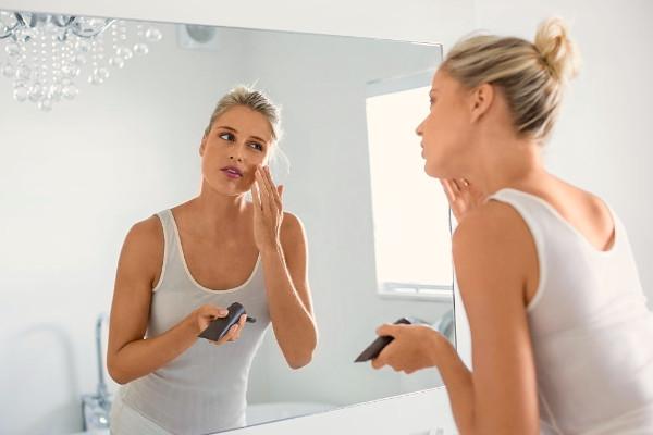 Qué papel juega la Vitamina C en pieles mixtas y grasas