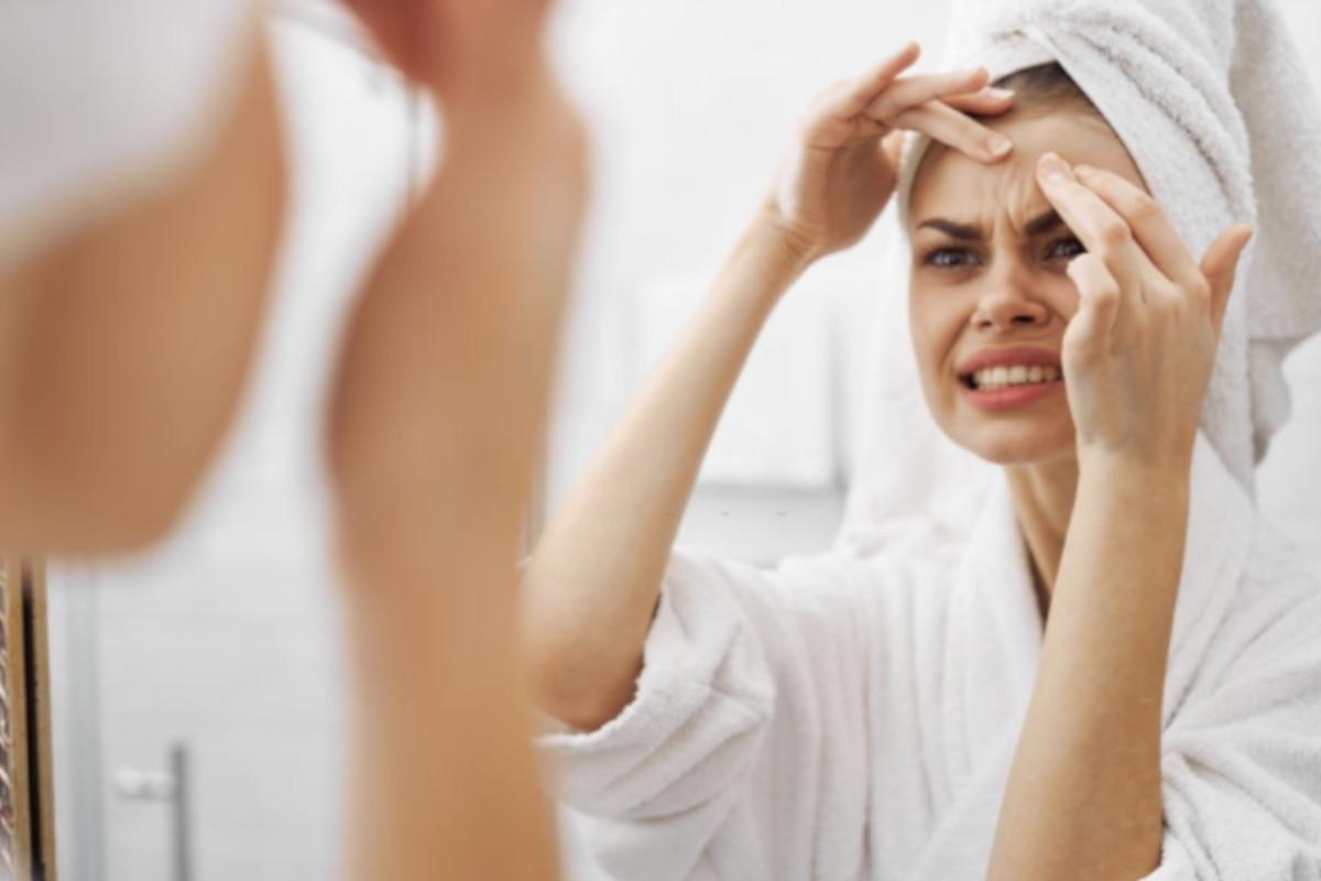 consejos para quitar granos internos de la cara
