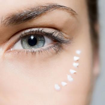 Consideraciones para comprar contorno de ojos